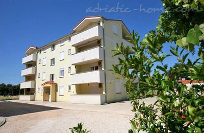 Apartments Medulin I, Medulin, Croatia - photo 2