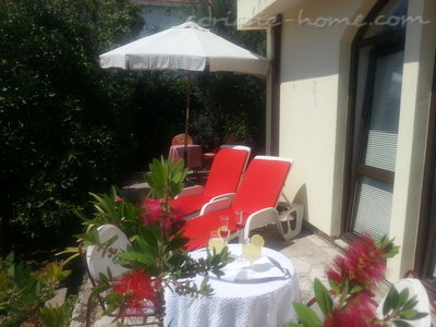 Leiligheter Herceg Novi-Two bedroom apartment with spacious terrace and sea view , Herceg Novi, Montenegro - bilde 1