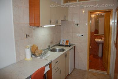 Apartments Suberic , Herceg Novi, Montenegro - photo 4