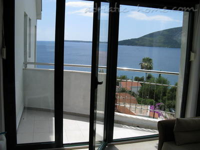 Apartments JELENA II, Herceg Novi, Montenegro - photo 2