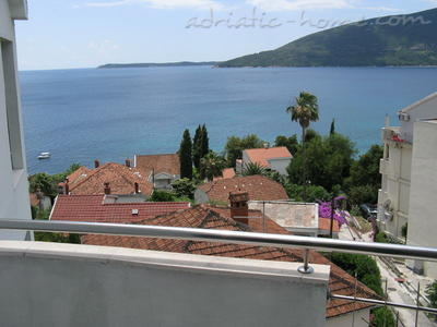 Apartments JELENA II, Herceg Novi, Montenegro - photo 3