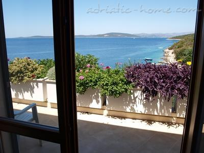 Appartementen Villa Peggy, apartment  just by the sea, Šolta, Kroatië - foto 10