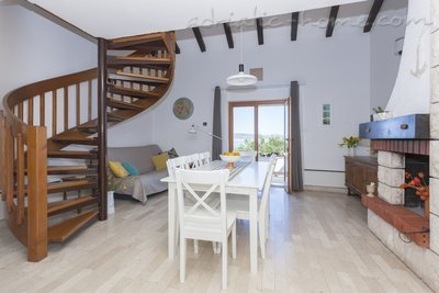 Apartmány Villa Peggy, apartment  just by the sea, Šolta, Chorvatsko - fotografie 3