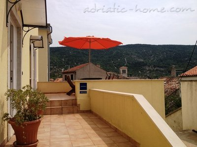 "Appartementen ""Near Tower"", Cres, Kroatië - foto 2"