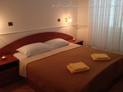 "Apartments ""Kod Kule"", Cres, Croatia - photo 8"