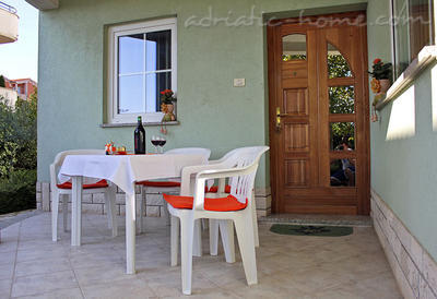 Apartments Villa Noela, Pula, Croatia - photo 5