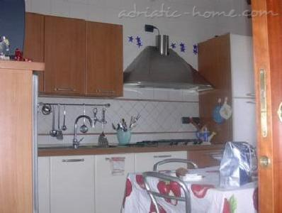 Bed&Breakfast Silvana, Salerno, Italy - photo 1