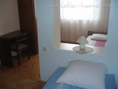 Apartments Natali 3 (A6), Medulin, Croatia - photo 9