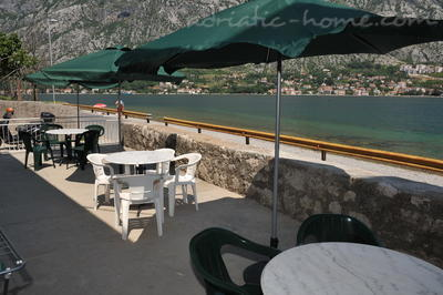 Studio apartment TRE SORELLE II, Kotor, Montenegro - photo 7