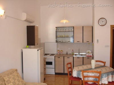 Apartments DELAC, Kotor, Montenegro - photo 6