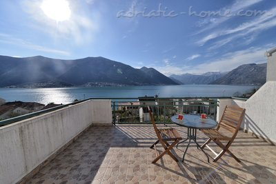 Apartments DELAC 2, Kotor, Montenegro - photo 4