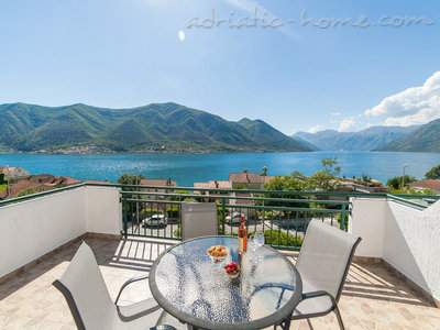 Apartments DELAC 2, Kotor, Montenegro - photo 1