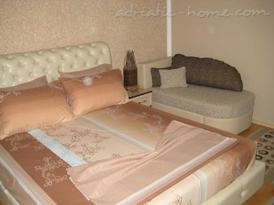 Apartments LUX HOLIDAY II, Ulcinj, Montenegro - photo 2