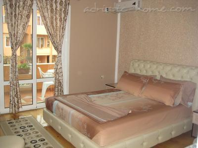 Apartments LUX HOLIDAY II, Ulcinj, Montenegro - photo 1