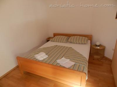 Studio apartment DOLAC A2, Hvar, Croatia - photo 2