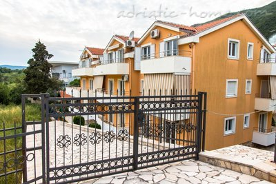 Studio apartment VILA NATALI 3/B (LUX) ****, Herceg Novi, Montenegro - photo 1