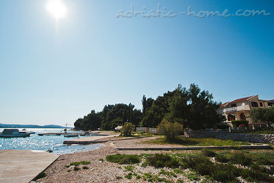 Villa Sučić, Pirovac, Croatie - photo 1