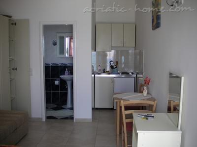 Studio apartment CAREVIĆ , Budva, Montenegro - photo 2