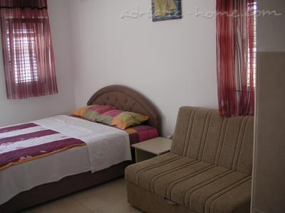 Studio apartment CAREVIĆ , Budva, Montenegro - photo 3