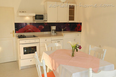 Apartments Milka A2+2, Vodice, Croatia - photo 2