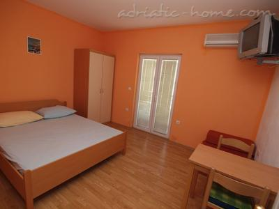 Apartments Matković, Makarska, Croatia - photo 4