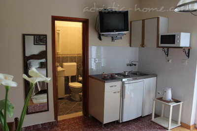 Studio apartment VILLA VUKOVIĆ V., Petrovac, Montenegro - photo 3