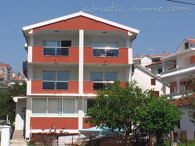 Apartments Nada, Herceg Novi, Montenegro - photo 1