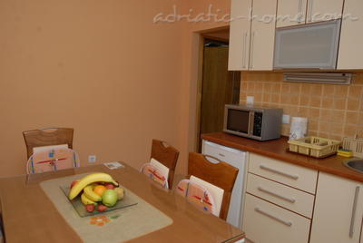 Apartments DOŠLJAK DRAGAN , Tivat, Montenegro - photo 2