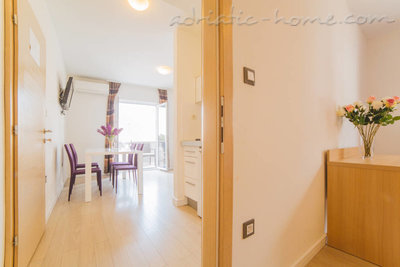 Apartments VILLA DUBROVNIK****, Makarska, Croatia - photo 2