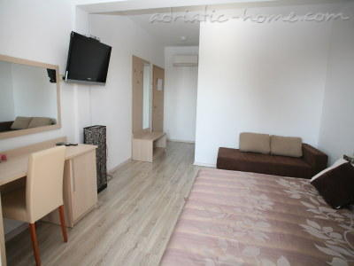 Studio apartment VILLA DUBROVNIK****, Makarska, Croatia - photo 2