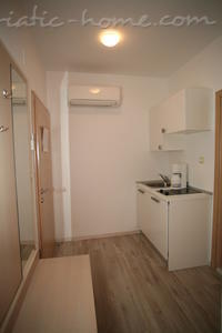 Studio apartment VILLA DUBROVNIK****, Makarska, Croatia - photo 4