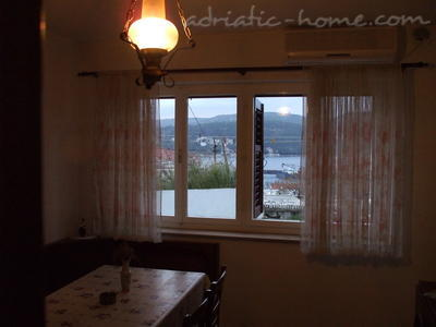Apartment Villa Miro Sumartin, Brač, Croatia - photo 7
