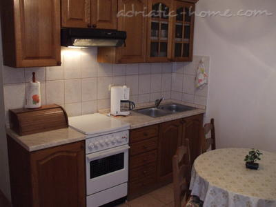 Apartment Villa Miro Sumartin, Brač, Croatia - photo 8