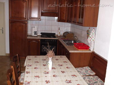 Apartment Villa Miro Sumartin, Brač, Croatia - photo 9
