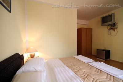Studio apartment VILA SLAVICA II, Sveti Stefan, Montenegro - photo 3