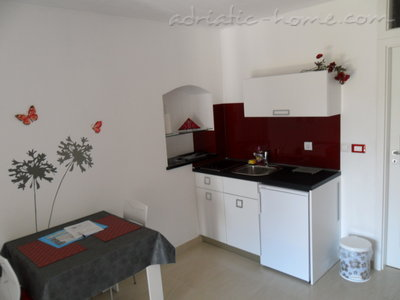 Studio apartment Gariful, Split, Croatia - photo 9