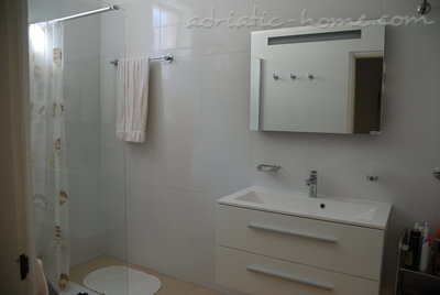 Appartamenti Villa Dubravka - Special Price for June, Baška Voda, Croazia - foto 12