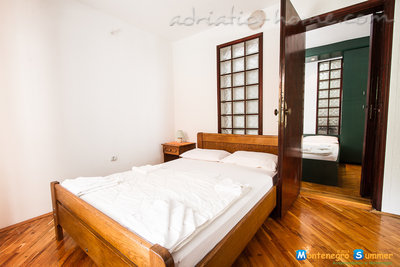 Apartments Popovic , Budva, Montenegro - photo 8