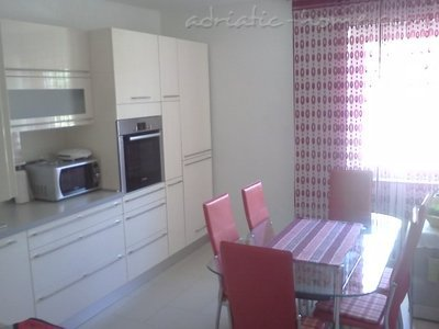 Apartments Megi, Crikvenica, Croatia - photo 4
