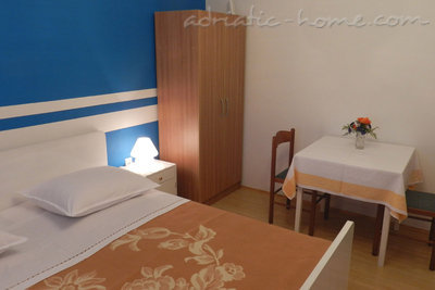 Rooms Milka S2, Vodice, Croatia - photo 2