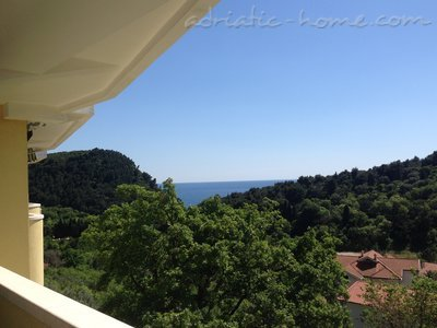 Apartments Venami*, Petrovac, Montenegro - photo 2