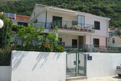 Apartments Venami 2, Petrovac, Montenegro - photo 1