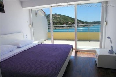 Apartments Villa Stegic, Tisno, Croatia - photo 2