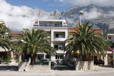 Apartments Puharić A4, Makarska, Croatia - photo 2