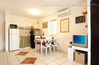 Apartments Villa Anna, Krk, Croatia - photo 2