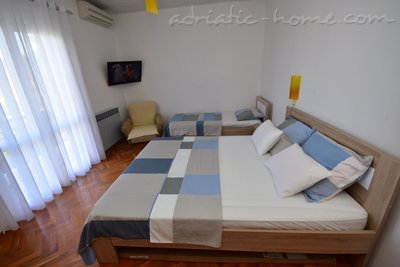Apartments BOROZAN, Herceg Novi, Montenegro - photo 8