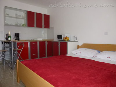"Studio apartment ""Ruza"", Baška Voda, Croatia - photo 3"
