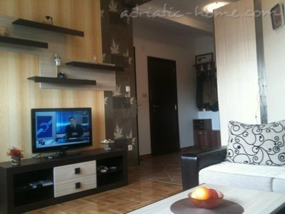Apartments RAKOCEVIC I, Petrovac, Montenegro - photo 4