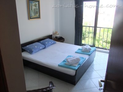 Apartments MINJA, Petrovac, Montenegro - photo 2