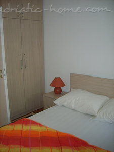 Apartments RADA, Herceg Novi, Montenegro - photo 4
